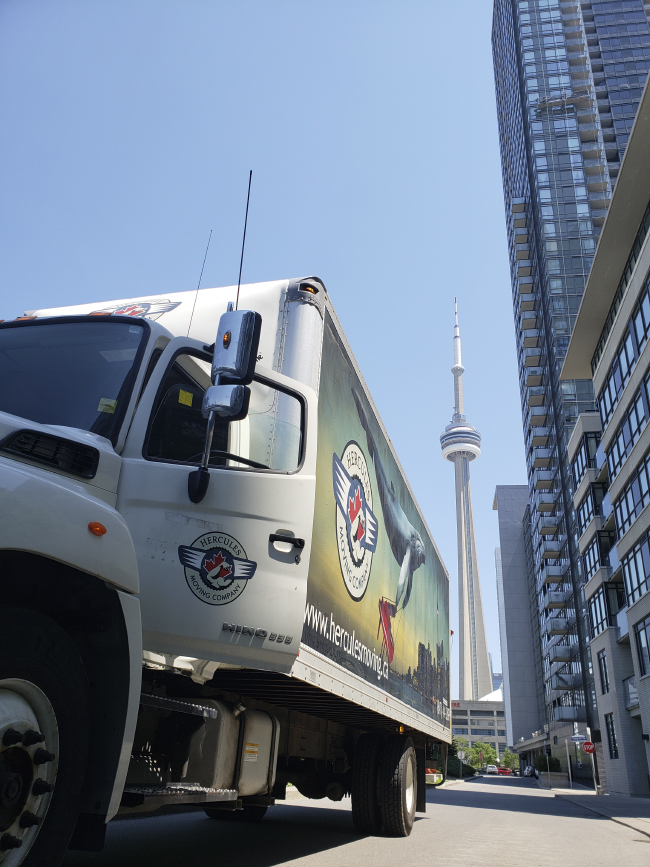 Moving Company Toronto with perfect, branded truck